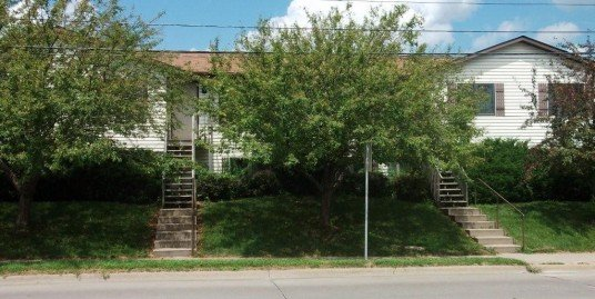 206 W. Benton St. – 4 Bed, 2 Bath – Iowa City