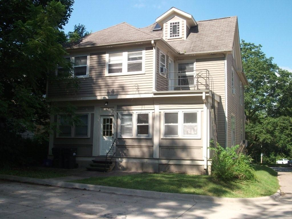 328 S. Governor St. – 6 Bed, 2 Bath – Iowa City