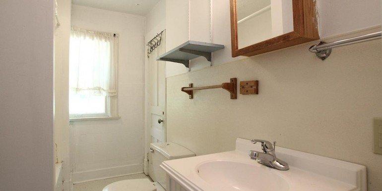 402ronaldsbathroom_1200