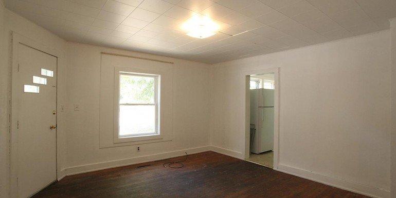 402ronaldslivingroom_1200