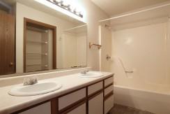 727orchardstbathroom_1200